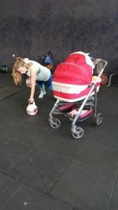 אימון נשים לאחר לידה