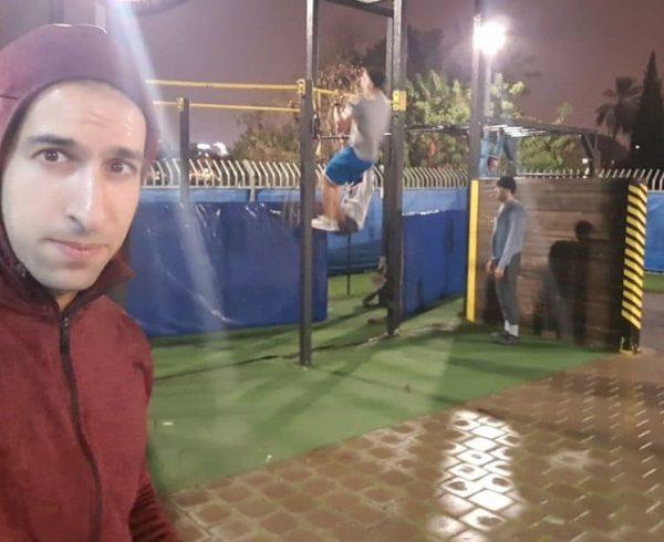 מתאמנים בכל הכוח – אימון נינג'ה בגשם